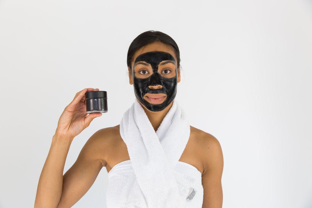 Cauze acnee femei menopauza
